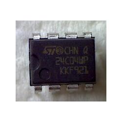24C04WP  DIP-8